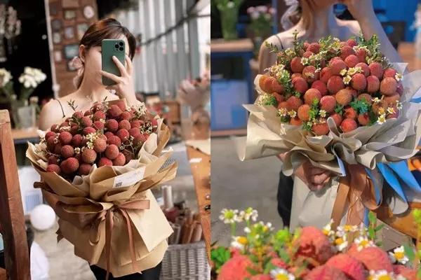 After a bouquet of lychee flowers costing more than half a million, it was the turn of the flower car to be decorated with a specialty that everyone would love to see 3