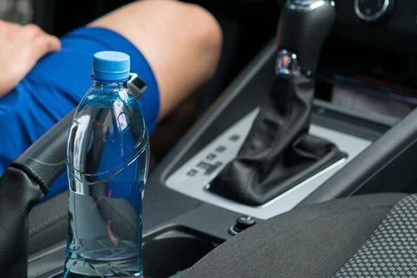 Hanoi and the North are reeling in the 40-degree heat: How to protect cars in hot weather 3