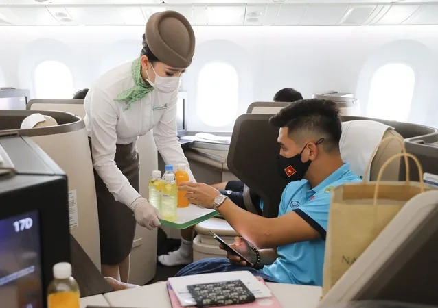 It's time to tell the story: Revealing the special meal of Vietnam Tel on the flight to Dubai 7