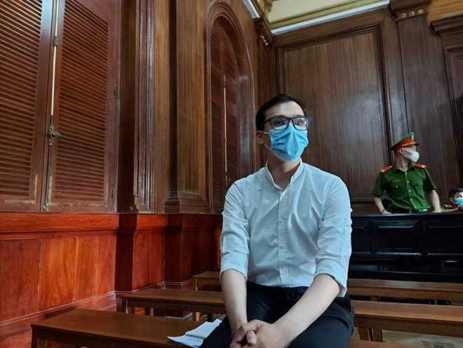 Flight attendants who spread Covid-19, causing damage of more than 4.4 billion VND, facing a sentence of 1-5 years in prison 2