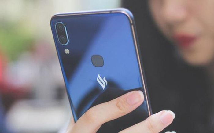 The reason why VinSmart stops producing phones and 2 TVs