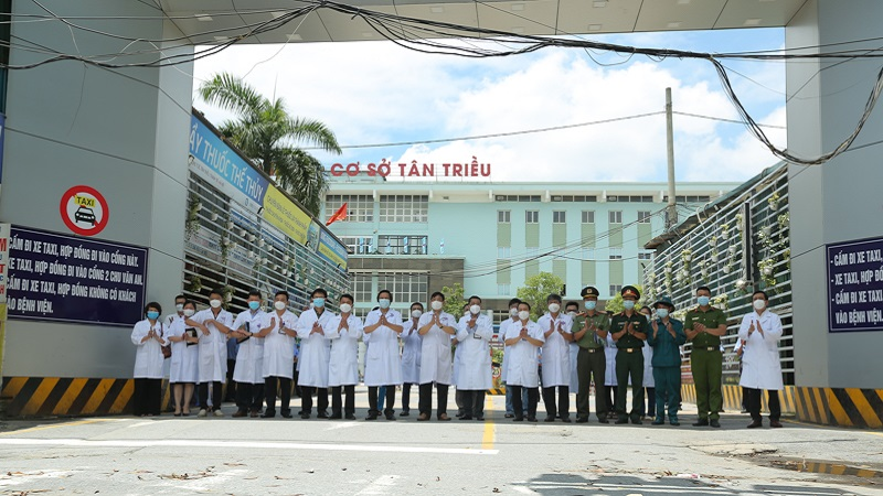 K Hospital lifted the blockade after 36 days of isolation, officially normal medical examination and treatment 2