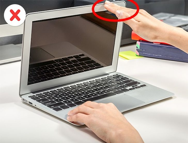 13 tips for using a laptop to not have the reputation of 'using it like breaking' 3