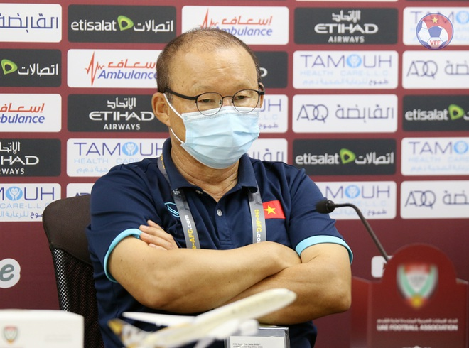 UAE reporter scouts Vietnam on the field, intends to film secret documents: Coach Park Hang-seo counterattacks too high