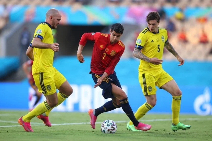 Spain was disappointed on the opening day of the EURO: Millions of fans demanded punishment for the 'wooden leg' Morata 2