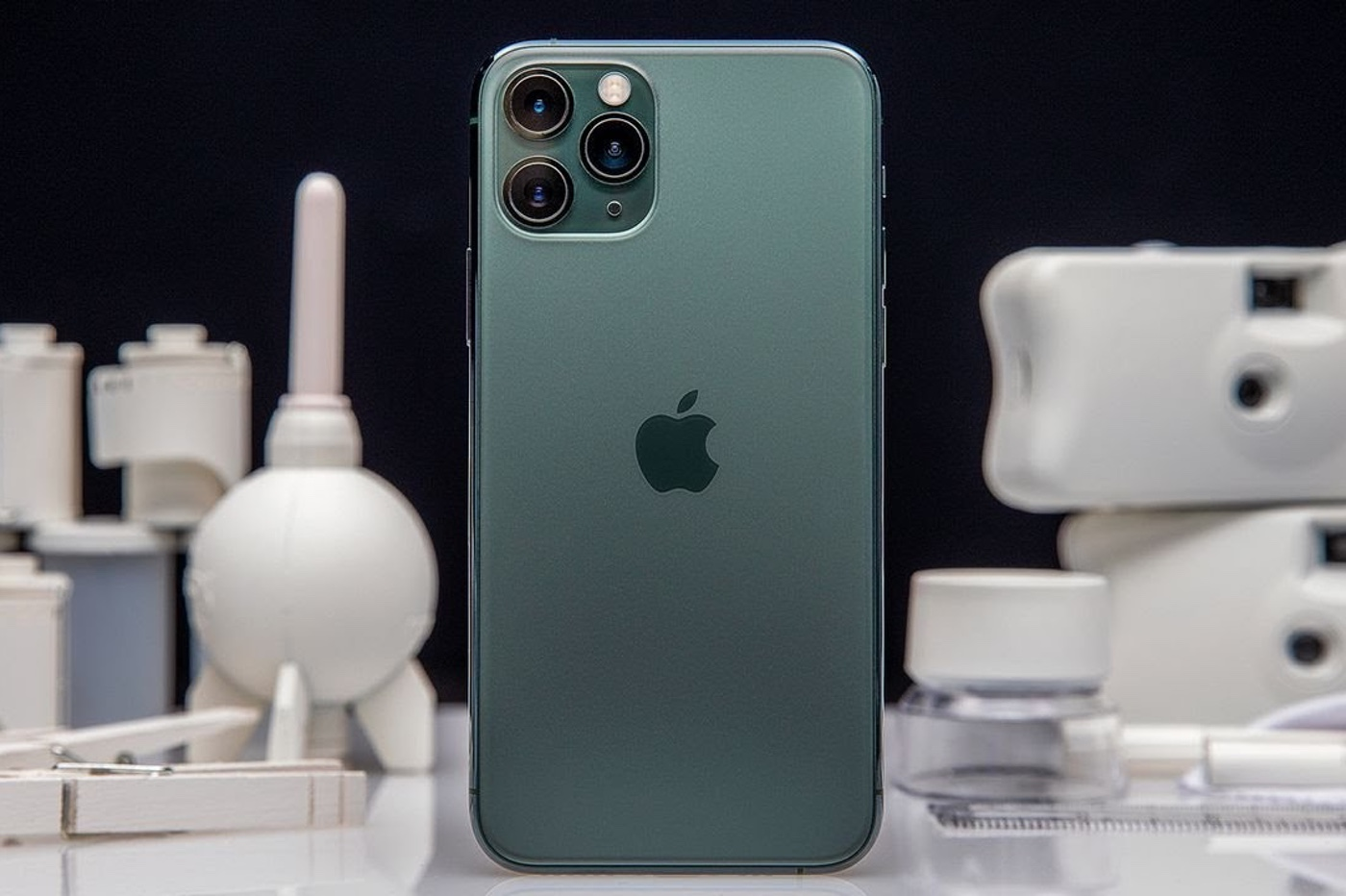 60 million dong for a unique 'deformed' iPhone 11 Pro 3