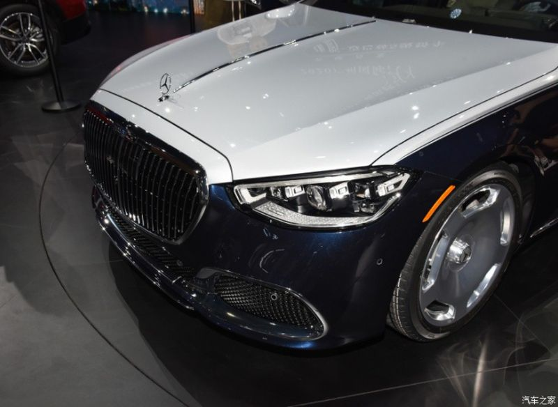 Examining the cheapest version of the Mercedes-Maybach line: Is the low price still luxury?  3
