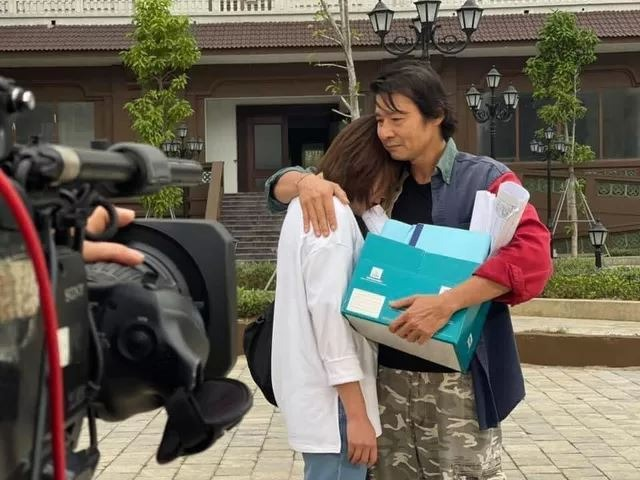 The upcoming image of 'Flavor of friendship': Long and Nam are more and more affectionate, Mr. Sinh accepts his child in tears 3