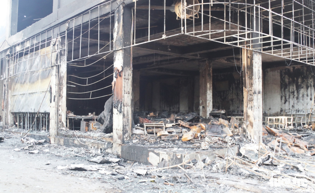 The witness recounted the tea room fire in Vinh, revealing the original cause of the incident 3