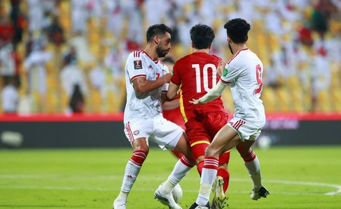 Ignoring the penalty situation of the Vietnamese team, the referee was messed up by fans on his personal page 3