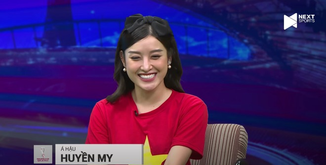 Runner-up Huyen My revealed her 'top' visual on the livestream, leaving a surprising comment about Doan Van Hau 2