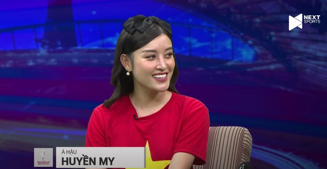 Runner-up Huyen My revealed her 'top' visual on the livestream, leaving a surprising comment about Doan Van Hau 3