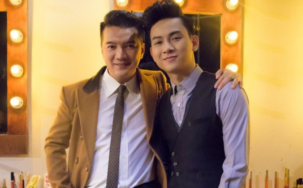 Only one action of Hoai Lam made Dam Vinh Hung unable to hide his happy feelings 4
