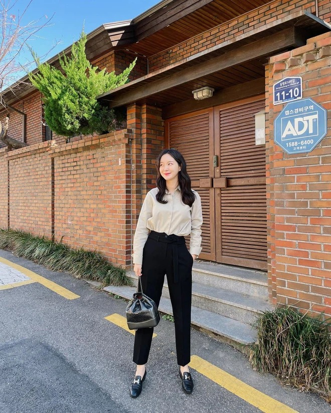 7 ways to mix clothes with black pants, one style every day is guaranteed to escape the scene of 'don't know what to wear' 3