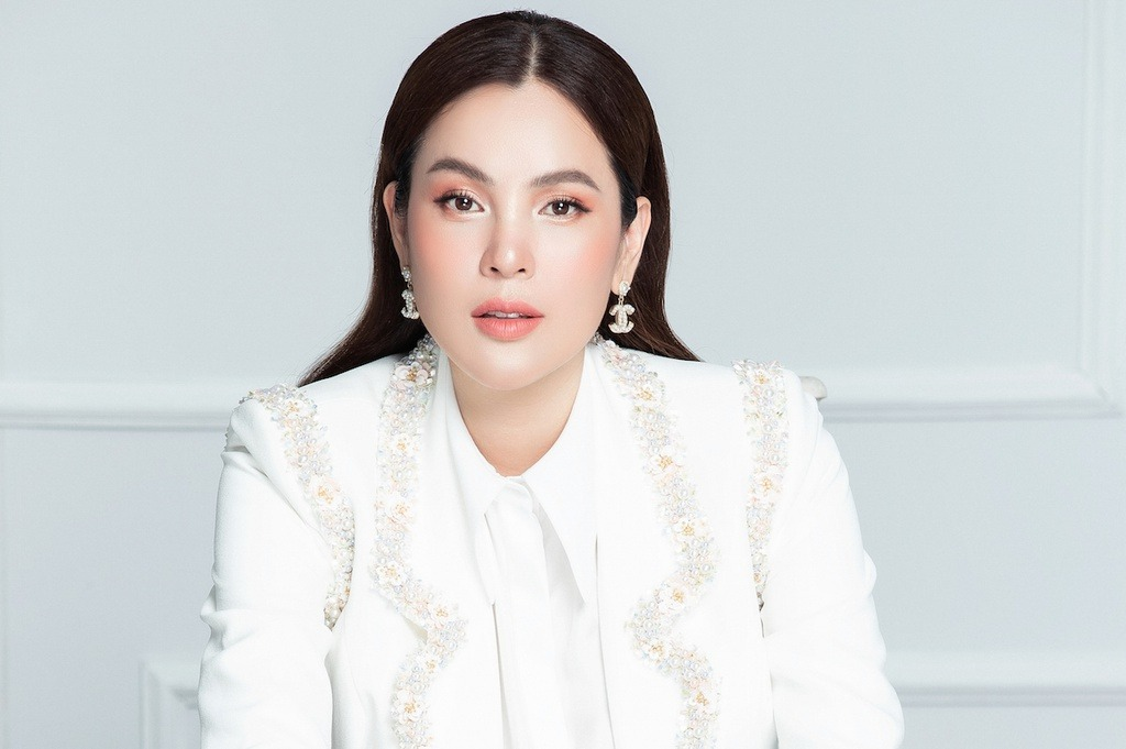 Miss Phuong Le 'closed' the message to Phi Nhung after a series of harsh criticisms for the female singer