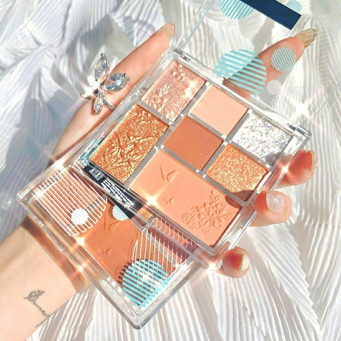 Super pretty eyeshadows are loved by hot Tik Tok in China 6 Trung