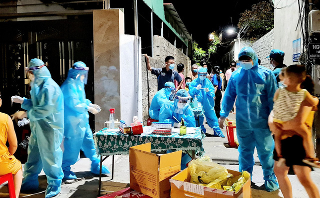 Nghe An disinfects the entire city of Vinh in 3 days after social distancing 3
