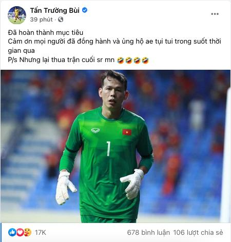 Bui Tien Dung was mocked at 'getting old, his name disappearing' when he posted a photo of selling shirts while his teammates just made history 2