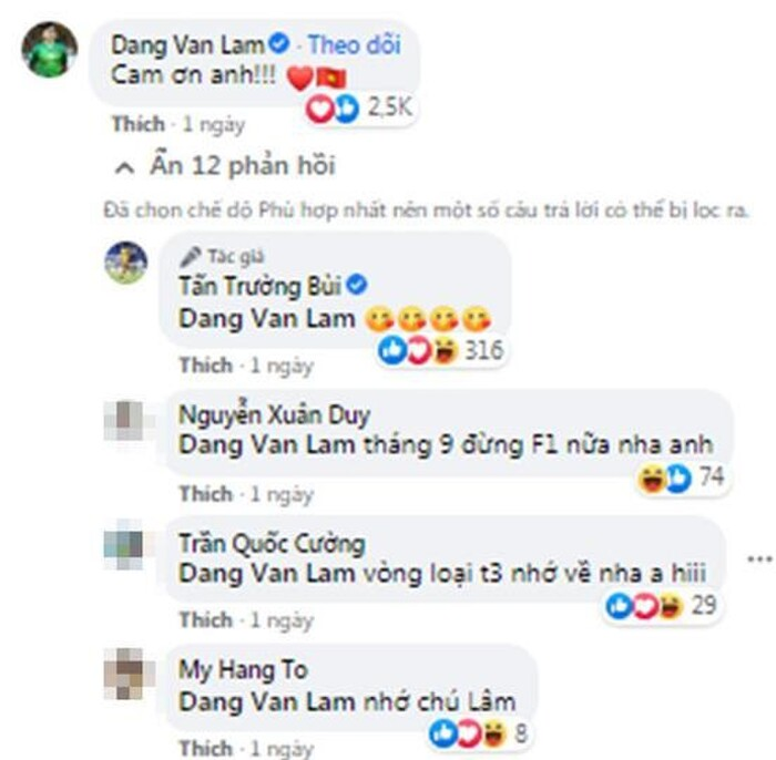 Bui Tien Dung was mocked 'older age, name lost' when posting a photo of selling shirts while his teammates just made history 3