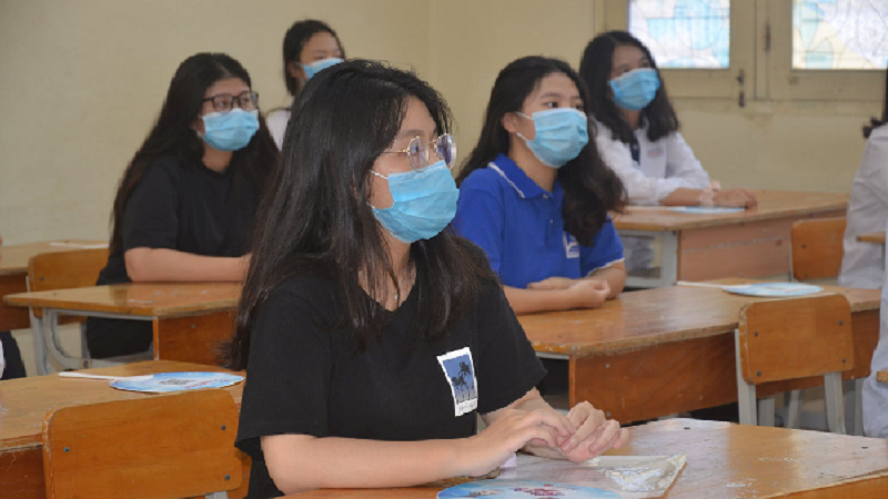 Answering the exam questions for the 10th grade English subject in Binh Dinh province in 2021 1