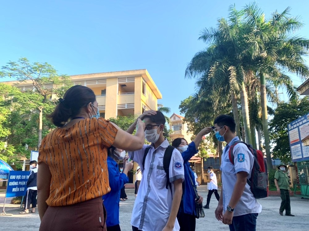 Answers to the exam questions to enter the 10th grade in Vinh Phuc province in 2021 1