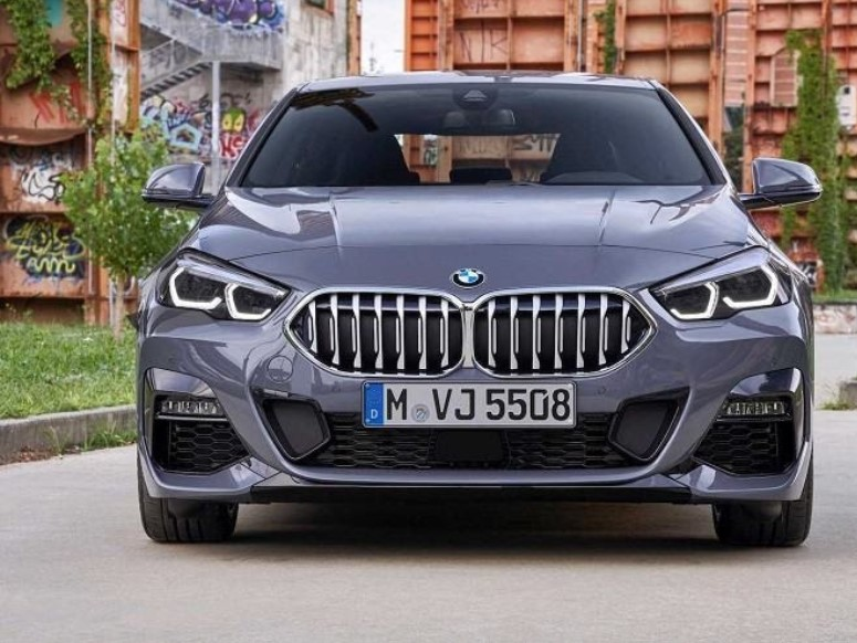 Auto5 offers a selection of 'best luxury sedans' 1
