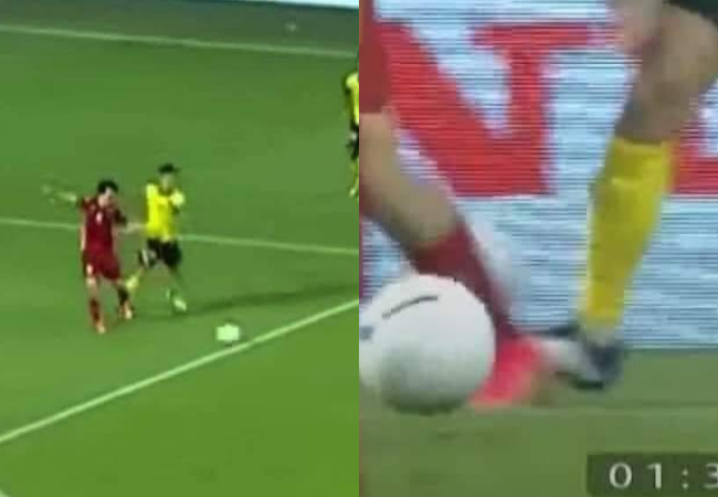 Attacked by Malaysian fans after the penalty fell, Van Toan took the opportunity to