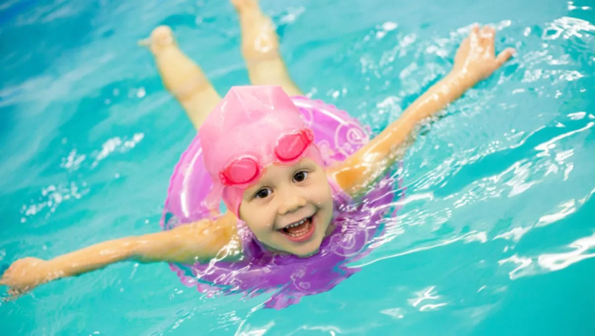How to supervise young children to prevent drowning 1