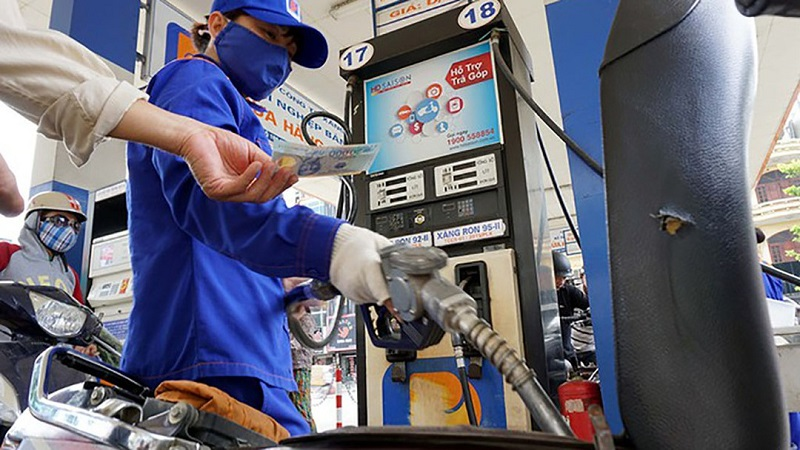 The latest petrol price news today on May 28: Turning on a strong increase 1