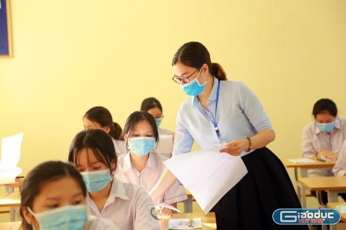 Look up exam scores for class 10 in An Giang province in 2021 1