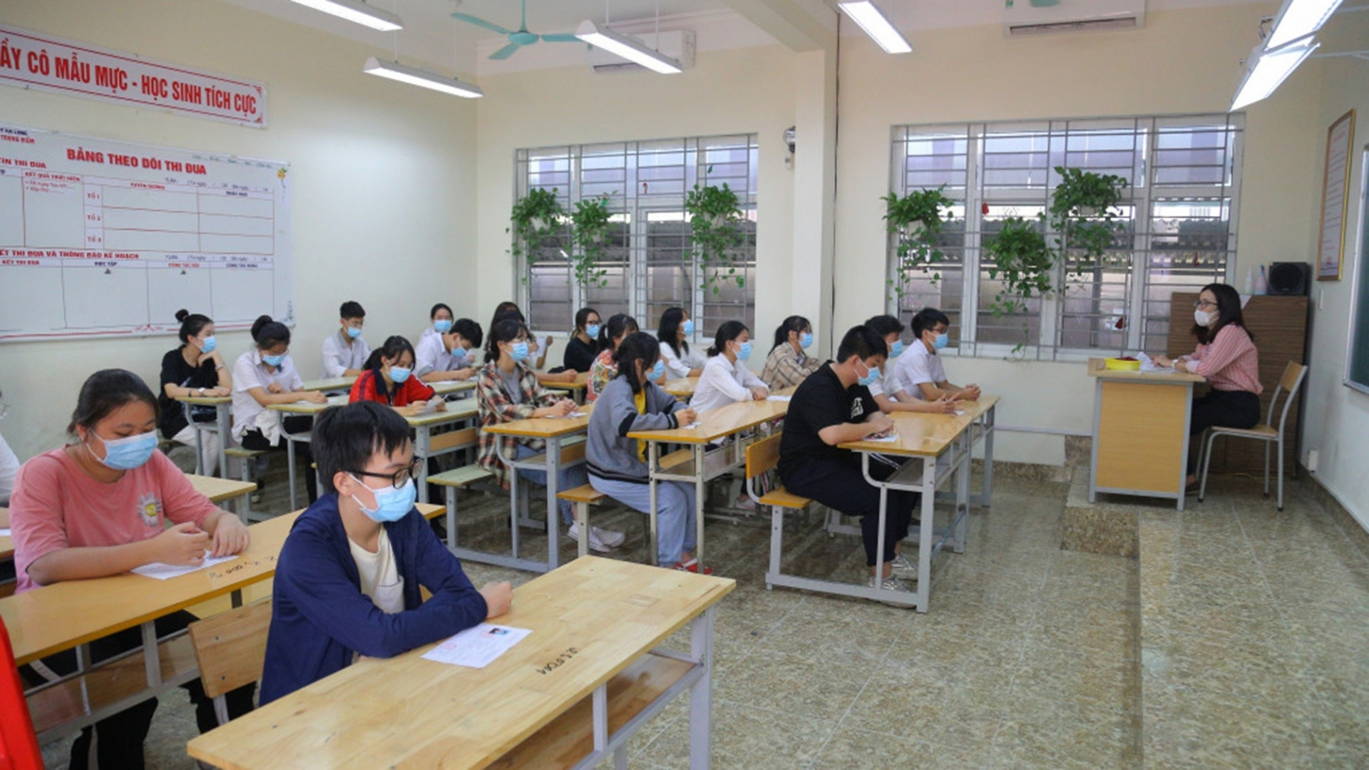 Look up exam scores for class 10 in Quang Ninh province in 2021 1