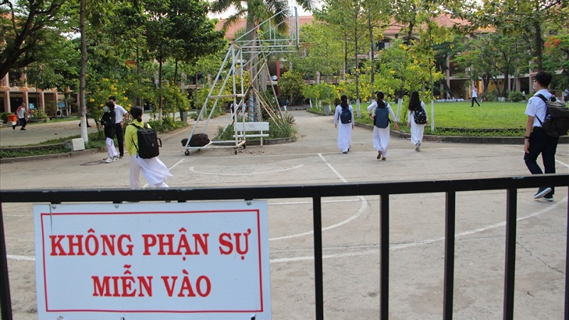 Look up the scores of the entrance exam for class 10 in Ha Tinh province in 2021 1