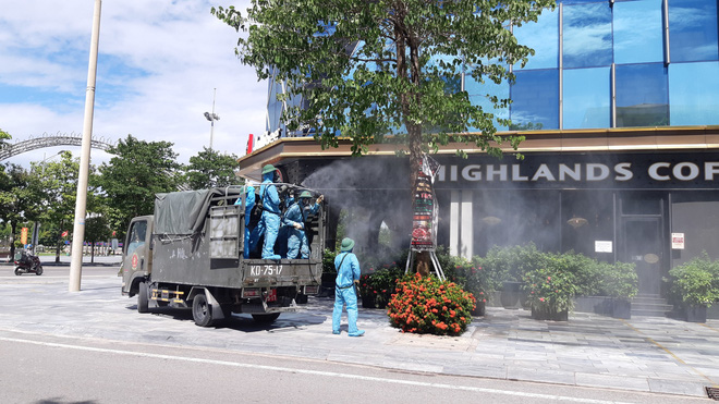 Nghe An disinfects the entire city of Vinh in 3 days after social distancing 1