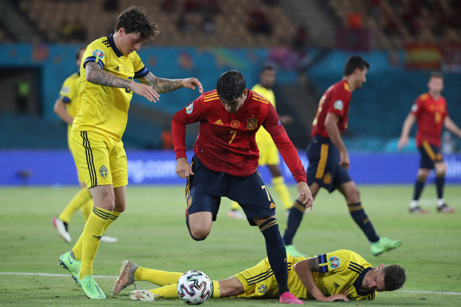 Spain was disappointed on the opening day of the EURO: Millions of fans demanded punishment for the 'wooden leg' Morata 1