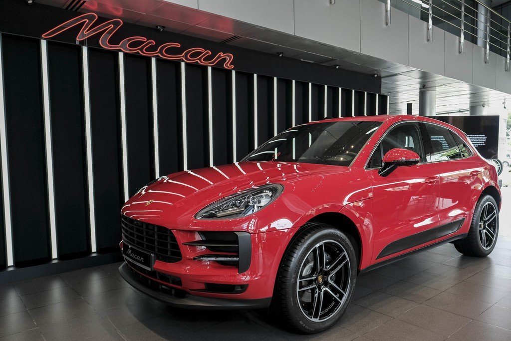 The cheapest Porsche model in Vietnam and the controversy has not ended yet 1