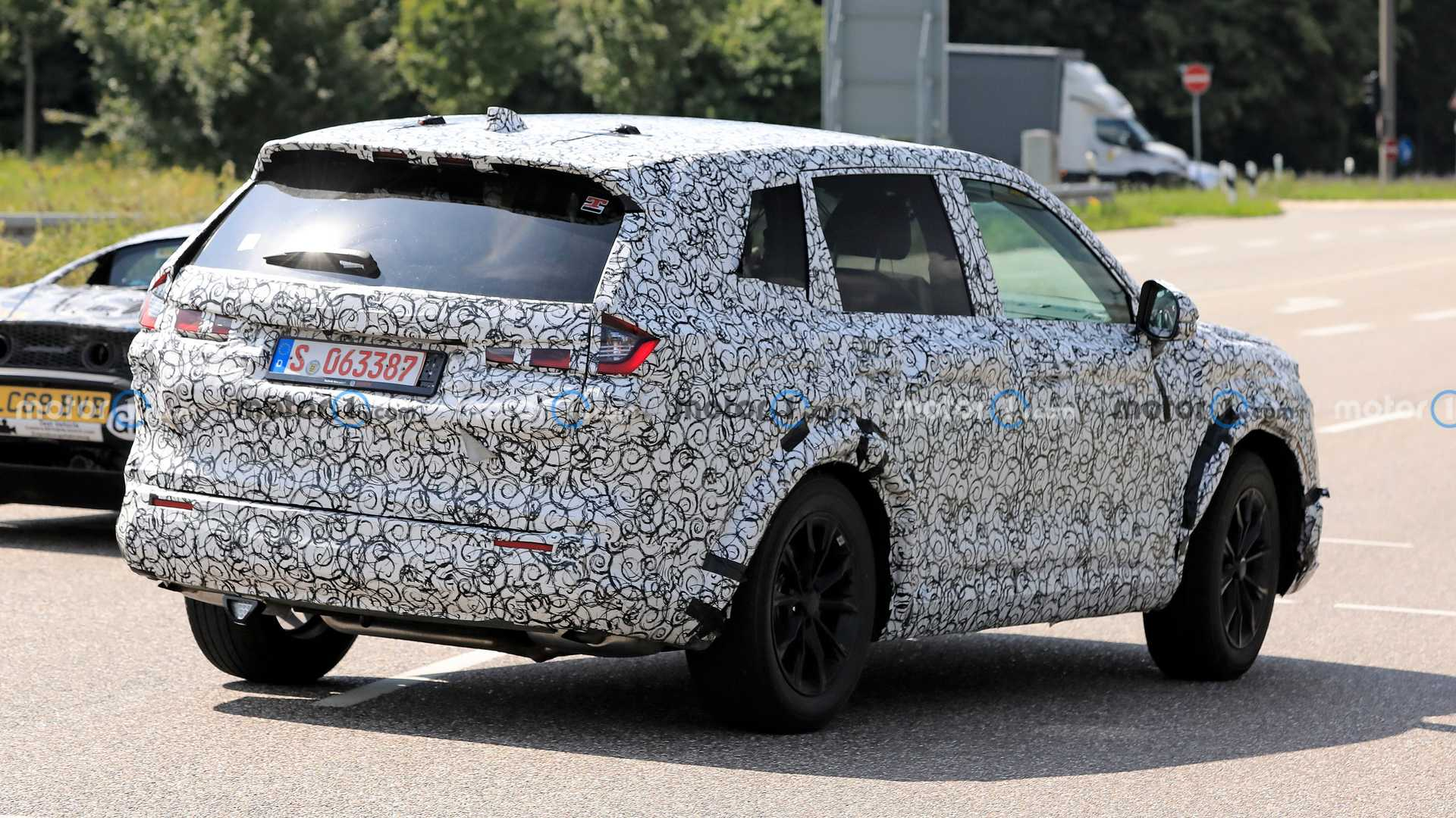 Continuing to leak information about Honda CR-V 2023: Strong change in appearance 3