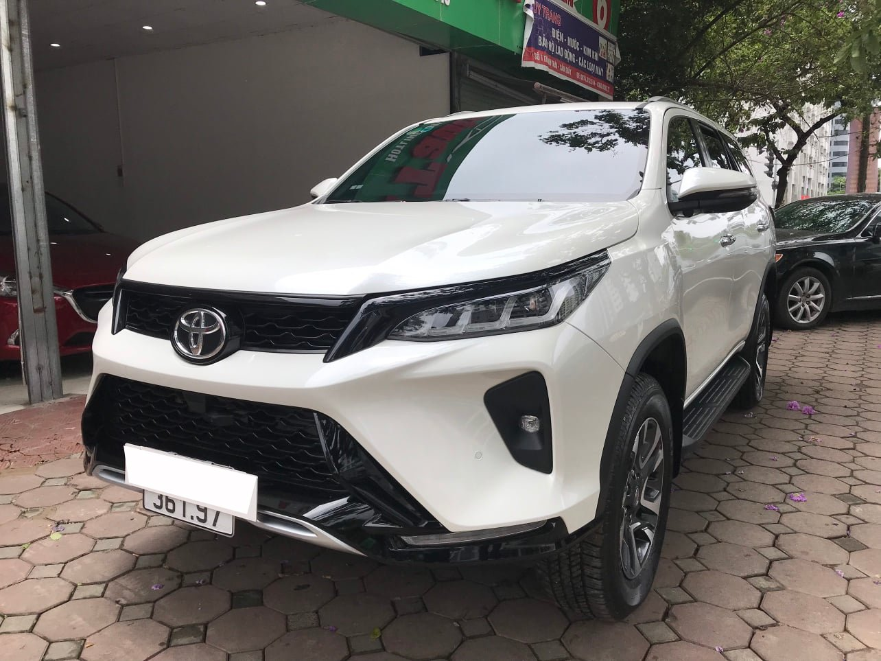 A series of genuine SUVs are selling at a loss in the used car market: Buyers benefit from several hundred million dong 5