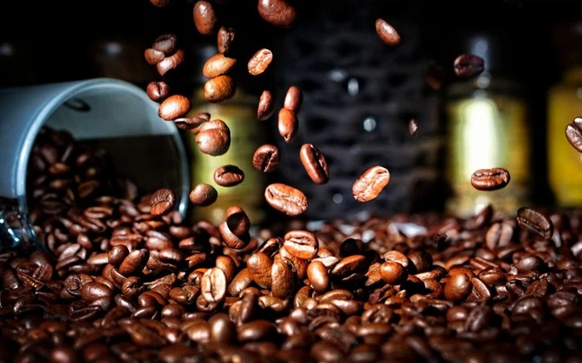 Coffee price today 6/10: The market continues to plunge in all 'fronts' 1