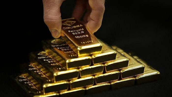 Gold price today September 29: Plunge without restraint, breaking through the sensitive threshold of 1