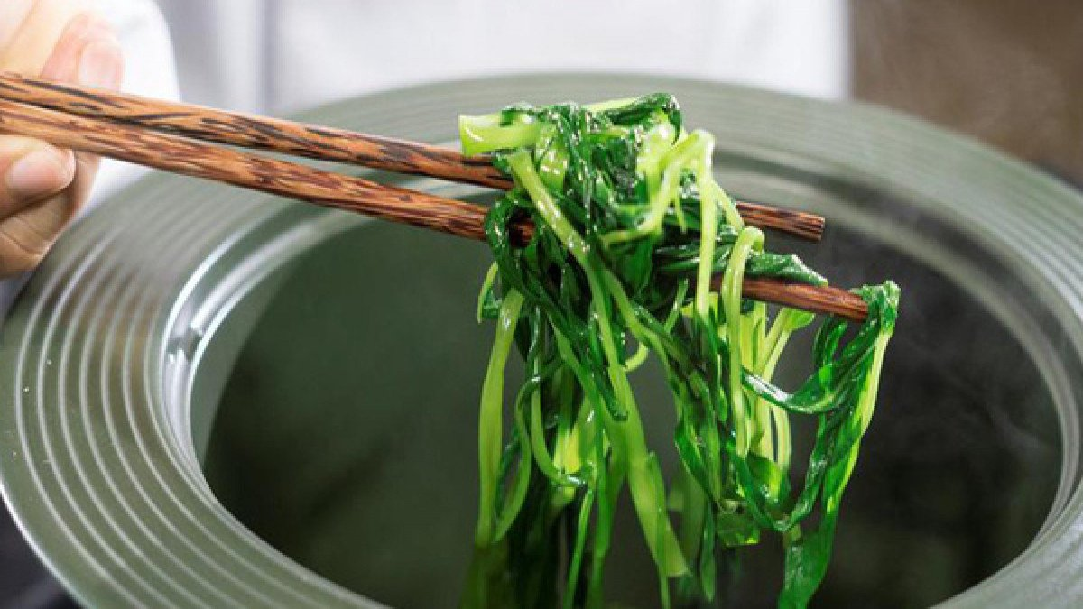How to stir-fry green, crispy water spinach 'rompy': The last step is missing, sisters beware of being 'first signed' by their mother-in-law