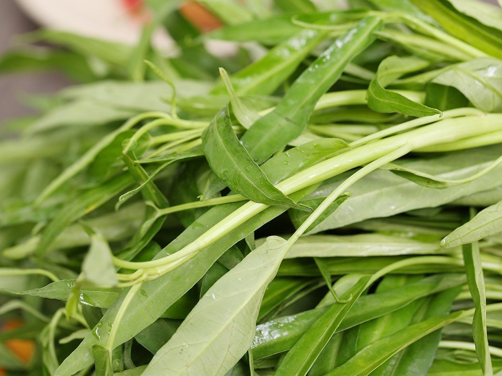 How to stir-fry green, crispy water spinach 'rompy': The last step is missing, sisters beware of being 'first signed' by mother-in-law