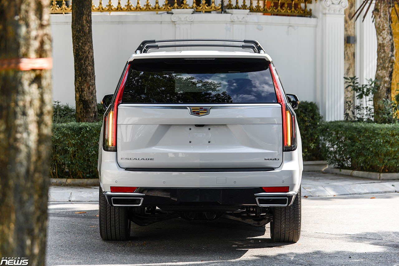 Details 'dinosaur' Cadillac Escalade ESV has returned to Vietnam: luxury SUVs are favored by giants