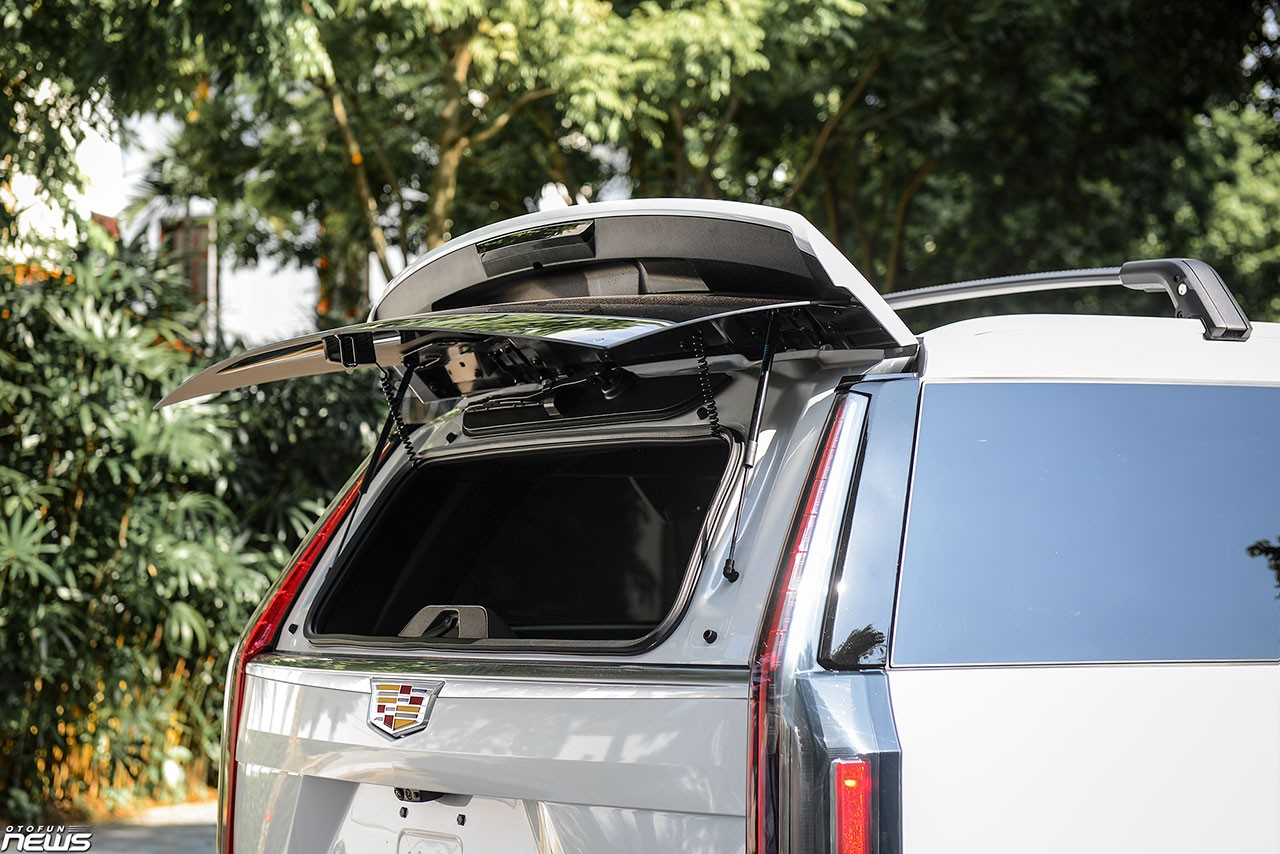 Details of Cadillac Escalade ESV's 'dinosaur' have returned to Vietnam: luxury SUVs are favored by giants