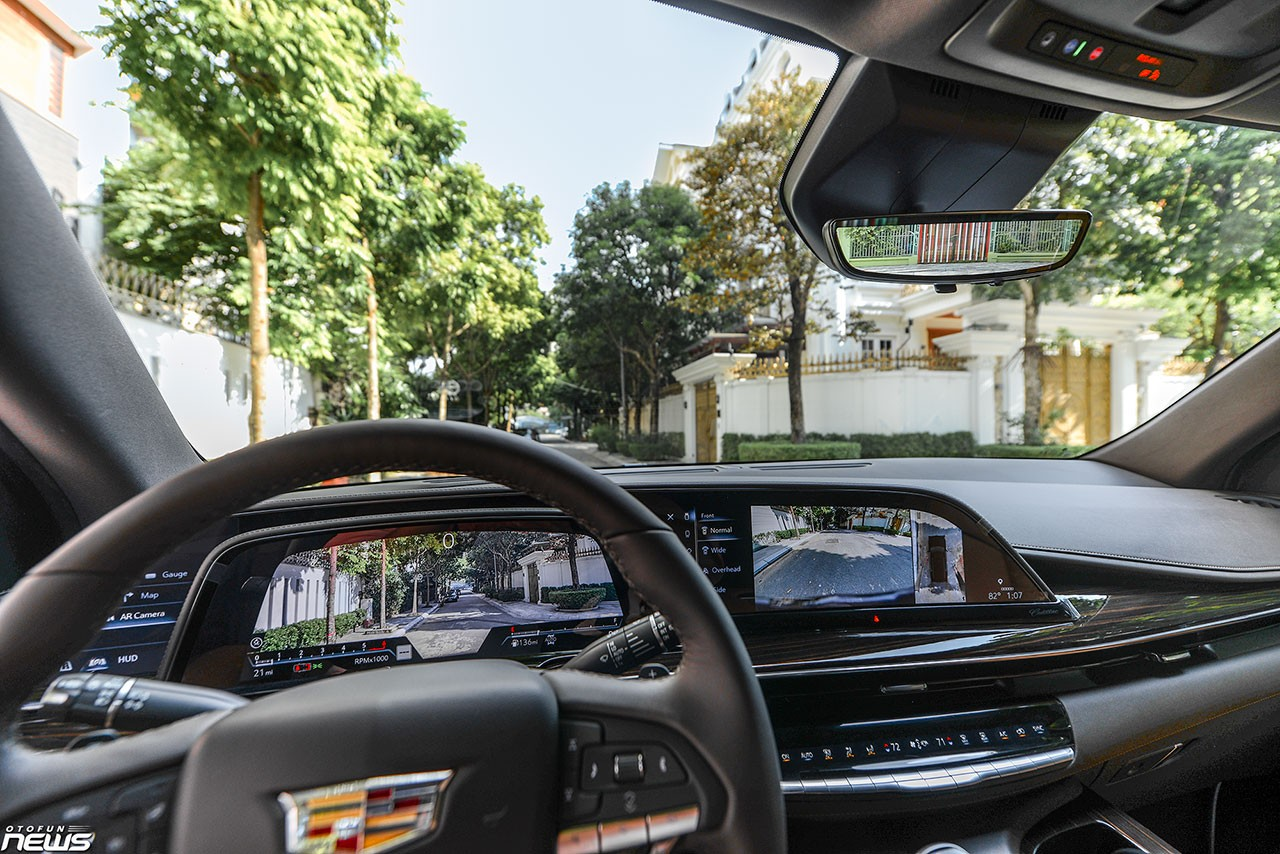 Details of Cadillac Escalade ESV 'dinosaur' have returned to Vietnam: luxury SUVs are favored by giants