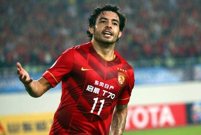 Spending 3,000 billion to naturalize players is not enough, China has added more than the number 1 Super League superstar to fight Vietnam 2