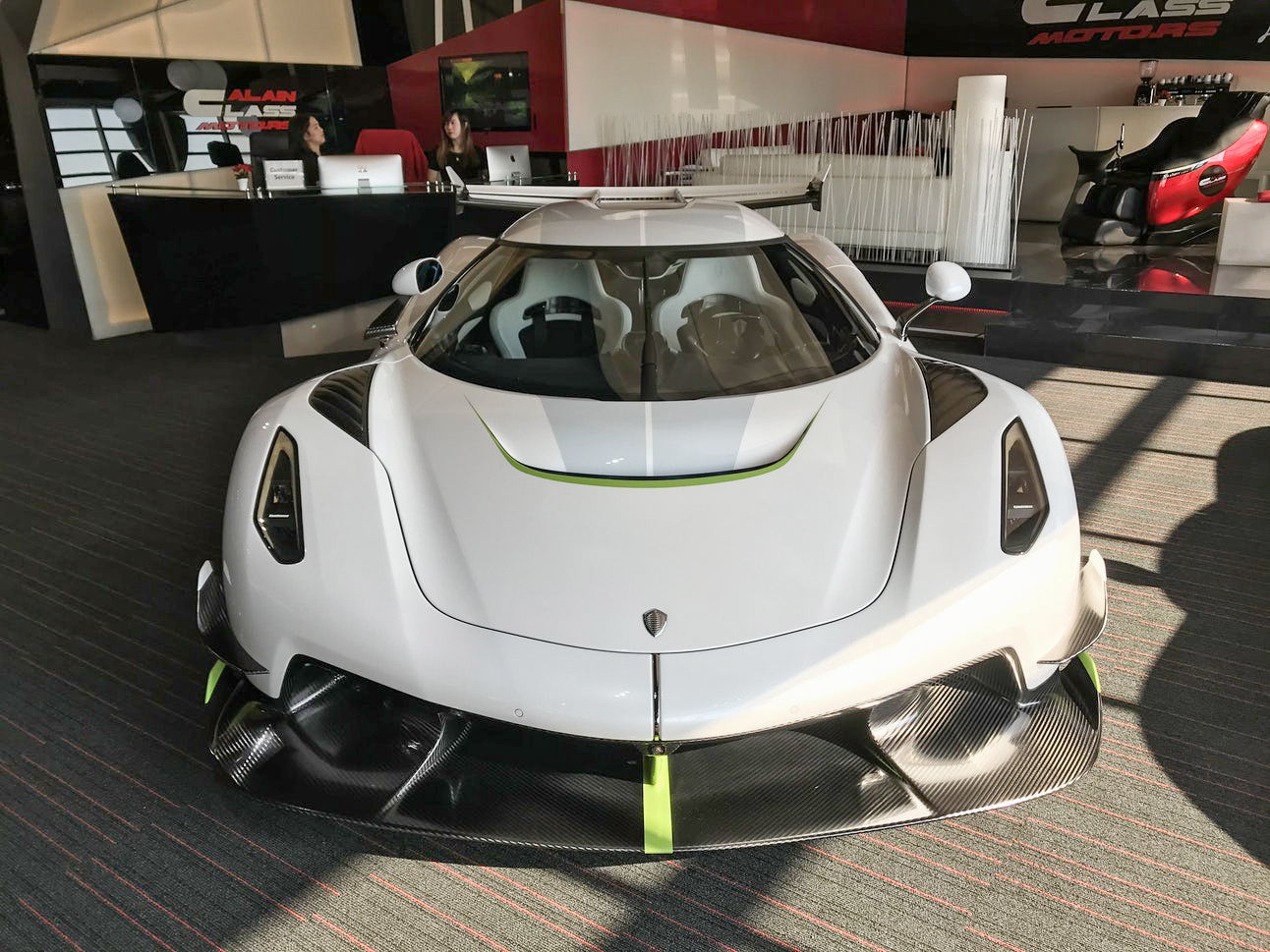 Dealer offers Koenigsegg Jesko, who will be the owner of the most expensive supercar in Vietnam?  2