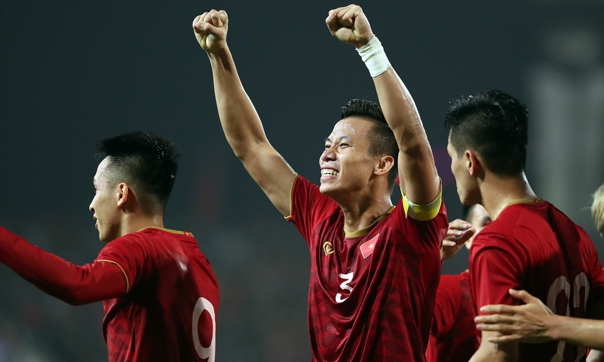 Winning China, Vietnam will approach the FIFA ranking record of the 1998 Golden Generation 3