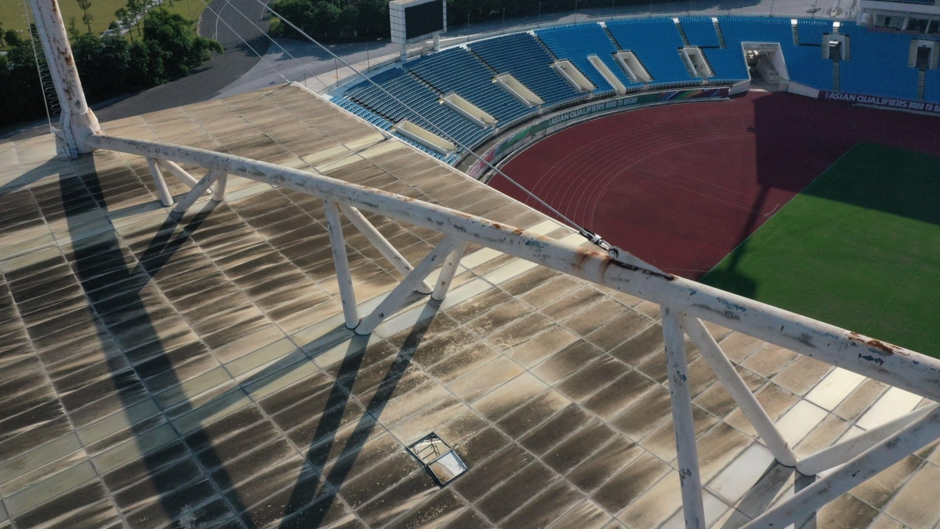 My Dinh Stadium is green with new grass, racing to upgrade with Lach Tray Stadium, waiting for the decision of AFC 5