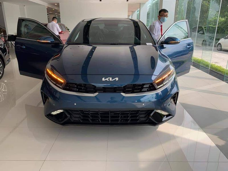 Close-up of Kia K3 present at the dealer, people riot because of a confusing detail 3