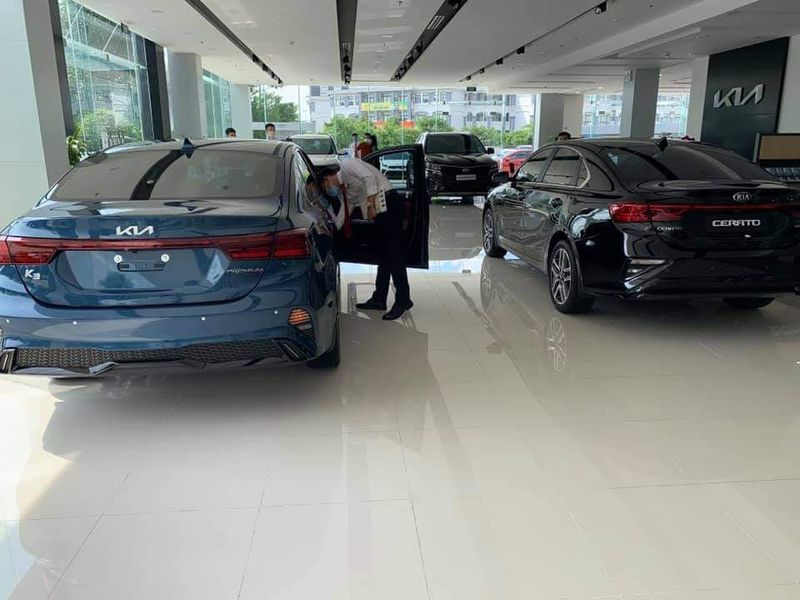 Close-up of Kia K3 present at the dealer, people riot because of a confusing detail 8